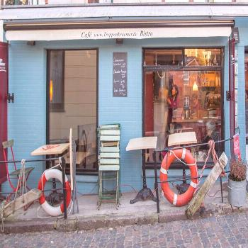 A lovely come-down stroll and coffee/cake break in hamburg (blankenese and treppenviertel)... -