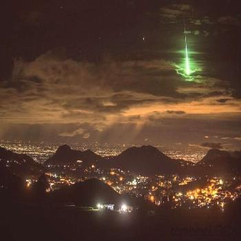 Photographers you get in a lifetime shot of a meteor by accident#accident