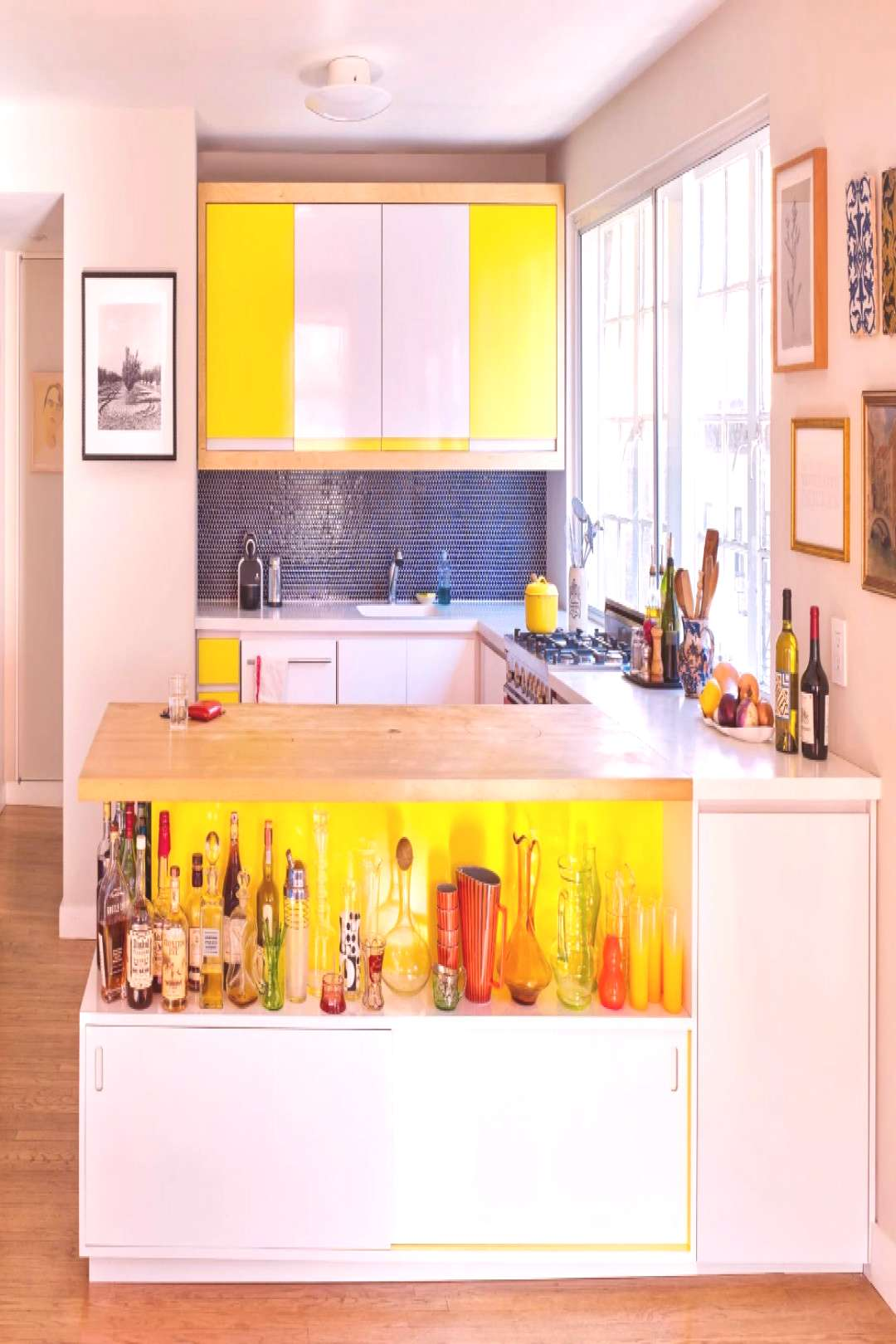 The 6 Design Truths We Learned From This Photographer's Bright, Bold Apartment The 6 Design Truth